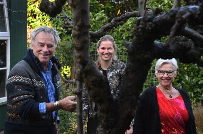 Ton van Vlijmen, Lisanneke Boer Rookhuiszen en Mariëtte Vink hebben zin in het Trichts/Buurmalsense theatrale muziekspektakel.
