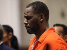 Achtergronddanseres van R. Kelly getuigt op proces: 'Hij bevredigde Aaliyah oraal toen ze amper 13 jaar was'
