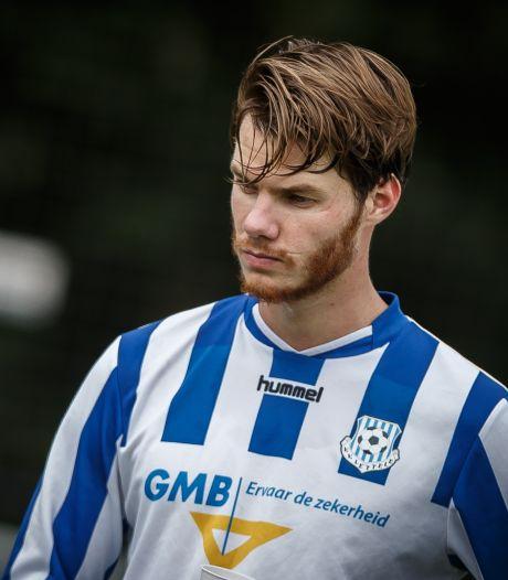 Na een jaartje met de vrienden van Lettele wil Jari Oosterwijk doelpunten maken namens HHC Hardenberg
