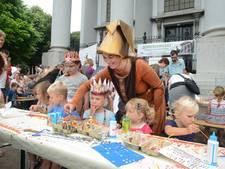 Centree viert feest met retrobar op Kerkplein