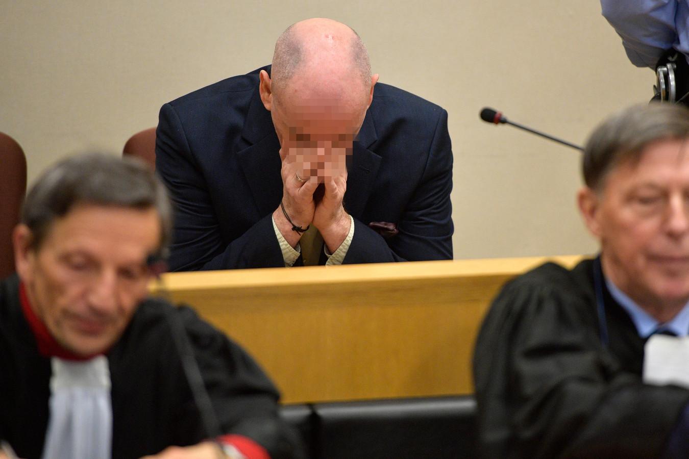 Renaud Hardy wordt beschuldigd van twee moorden, verkrachtingen met folteringen en twee pogingen tot moord.
