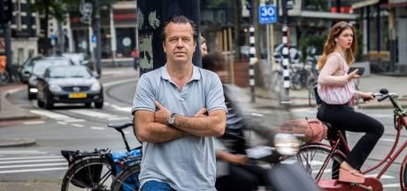 Journalist Bas Haan (47) schrijft thriller over Rotterdam: 'Ik heb in de kroeg meer geleerd dan op de universiteit'