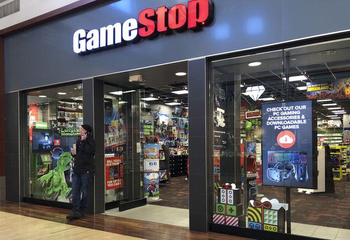 Bijna 30.000 Nederlanders die nog nooit hadden belegd in het aandeel van GameStop, lieten zich plots verleiden door de winkelketen voor videospelletjes.