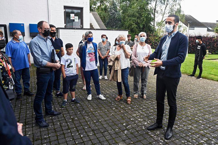 Staatssecretaris Sammy Mahdi (CD&V) bezoek het opvangcentrum in Spa. Beeld Photo News