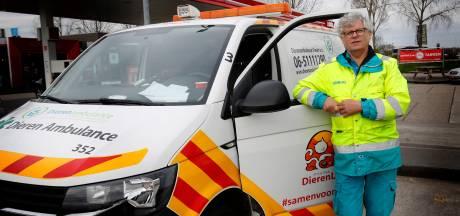 Dierenambulance kapot gereden na klusje in Leerdam, veroorzaker spoorloos: 'Hopelijk meldt hij zich nog'