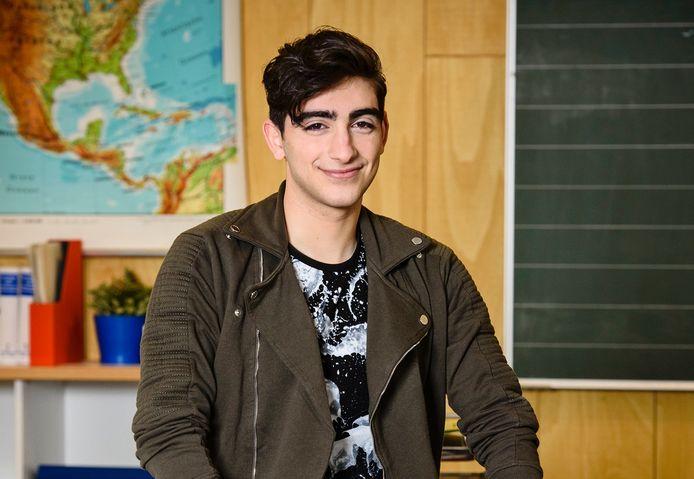 Siawaash Cyrroes als Ramin Sabet.