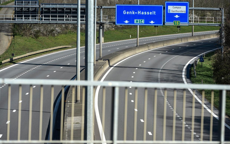 Er was de afgelopen maanden veel minder wegverkeer. Allicht zal in de loop van het jaar bijtrekken.  Beeld Photo News