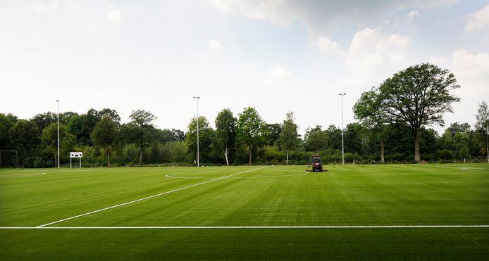 Hellendoornse sportclubs keren zich tegen de aangekondigde huurverhoging van 10 procent voor alle gemeentelijke sportaccommodaties. 'Maatschappelijk niet verantwoord.'