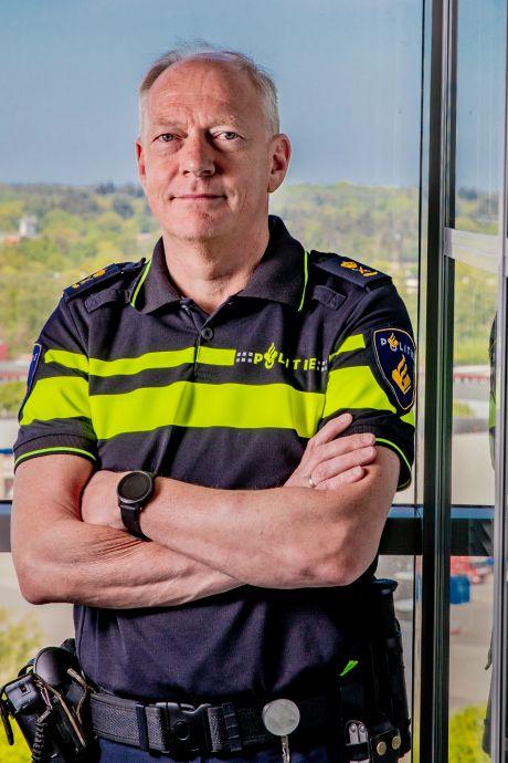 'Politie gaat helpen de avondklok zo goed mogelijk te handhaven'
