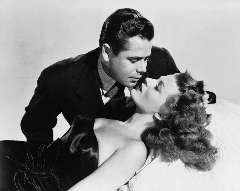 Rita Hayworth en Glenn Ford in 'Gilda'. Beeld .