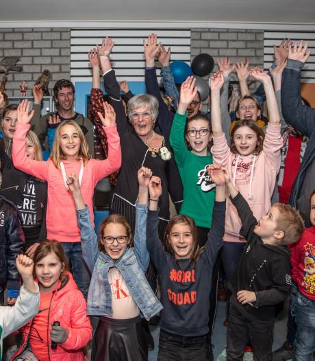 Juf Lucie na 46 jaar weg bij school in 's-Heer Arendskerke: 'Mijn hart lag bij de jonge kinderen'