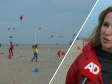 200 rode vliegers wapperen boven strand voor Afghaanse kinderen