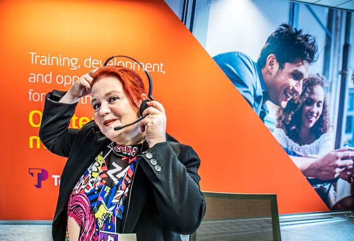 Miranda Hollants was deelnemer aan het vertrouwensexperiment. Het hielp haar weer op eigen benen te staan. Sinds een jaar werkt ze met veel plezier bij bij klantcontact organisatie Teleperformance in Tilburg.