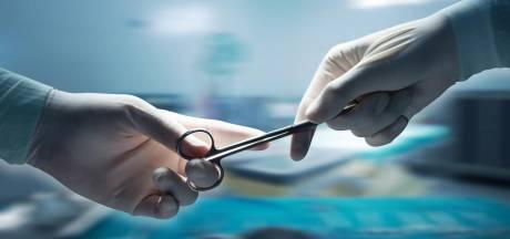 La première greffe de pénis et de scrotum est parfaitement fonctionnelle plus d'un an après l'opération