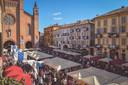 De oudste truffelmarkt van Italië is in Alba.