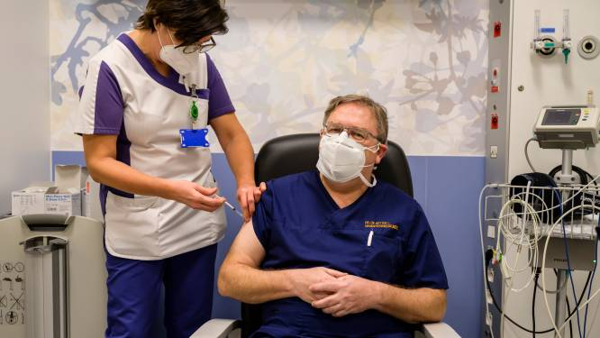 Eerste 150 vaccins voor personeel van AZ Sint-Blasius: artsen en zorgmedewerkers spoed en Intensieve Zorgen eerst aan de beurt