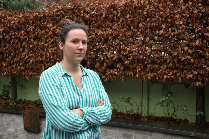 Lisa Gabriëls zag het ongeval gebeuren en roept op tot aanpassing van de parking en het punt dat erg gevaarlijk is.