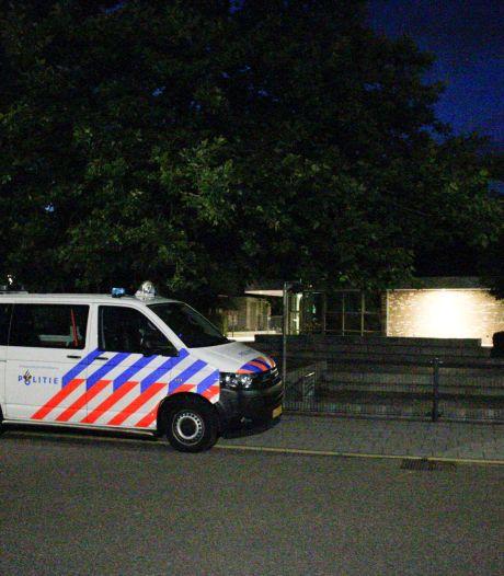 Jongeren blijven Nijkerkse wijk Paasbos terroriseren, grote politie-inzet vanwege meldingen van overlast
