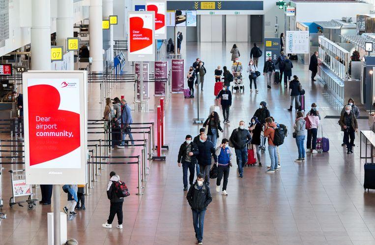 Illustratiebeeld. Brussels Airport tijdens de kerstvakantie. (18/12/2020) Beeld vincent duterne / photo news
