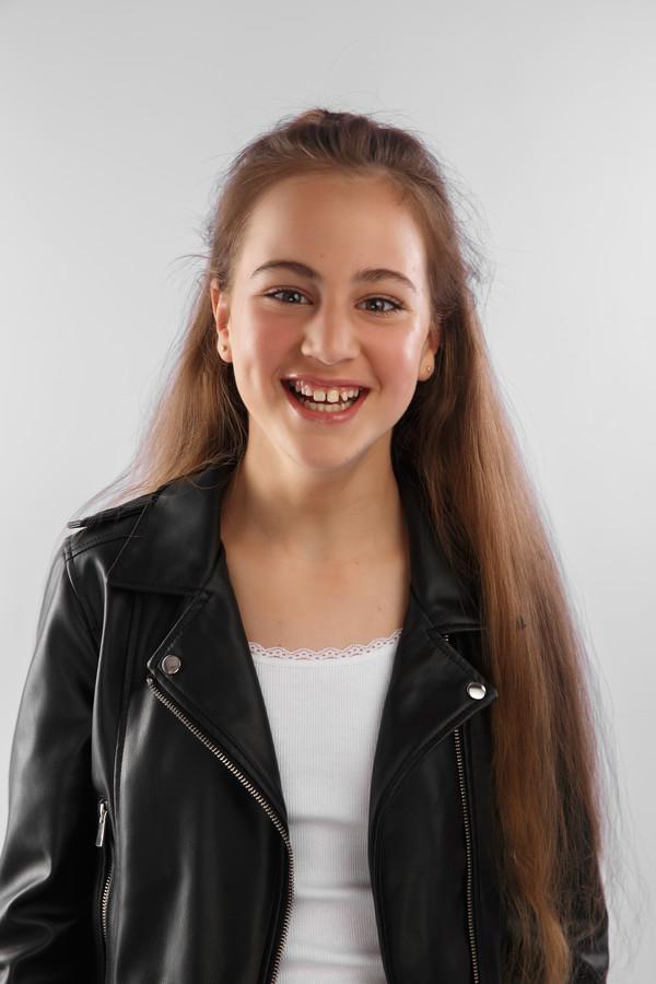 Annemijn van 't Hullenaar staat vijdag op het podium in de musical The Sound of Music.
