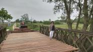 Baileybrug krijgt nieuw wegdek