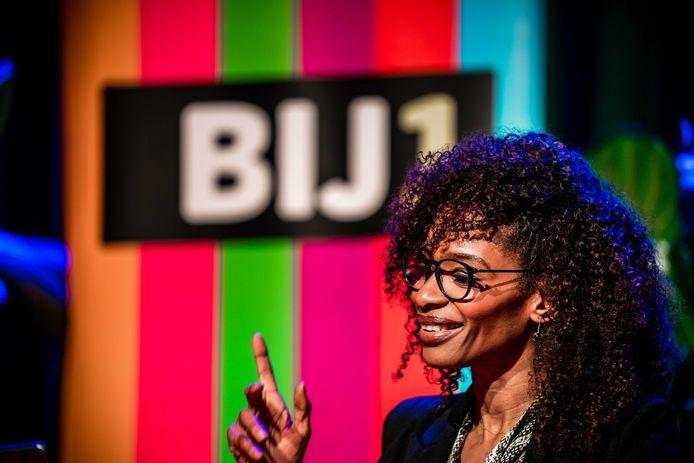 Lijsttrekker Sylvana Simons van BIJ1 bedankt via een online stream haar achterban tijdens de uitslagenavond van de Tweede Kamerverkiezingen in Theater Zuidplein.