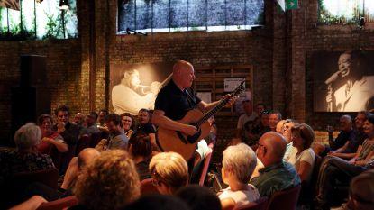 Hnita Jazz Club wil met braderijconcerten nieuw dak voor hoeve financieren