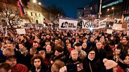 Nieuwe Slovaakse regering overleeft vertrouwensstemming na wekenlange protesten