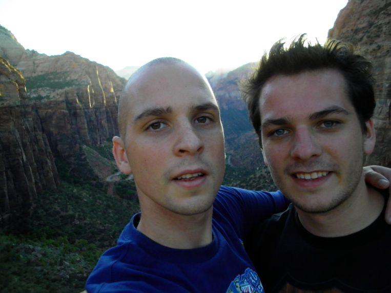 Joris Verbeeck (rechts) met zijn broer Bart op een van hun reizen.