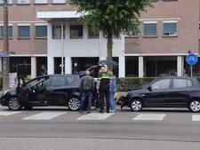 Drie auto's beschadigd bij kop-staartbotsing in Arnhem