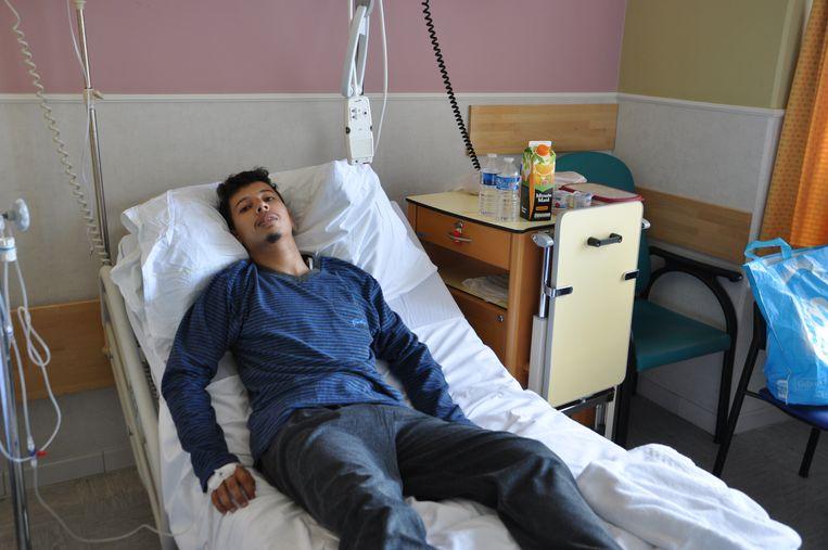 Yassin A. in zijn ziekenbed in het UZ Gent