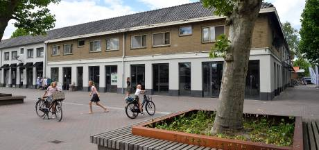 Eindelijk: verpauperde gevel aan de Biezenkamp wordt deze maand gerenoveerd