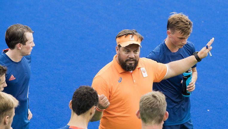 Max Caldas instrueert zijn ploeg in Rio. Beeld anp