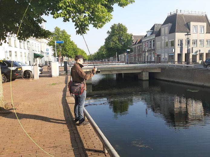 Vliegvissen is per direct verboden langs de Burgel.