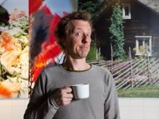 Cabaretier Jasper van Kuijk pakt jaartje rust in Zweden
