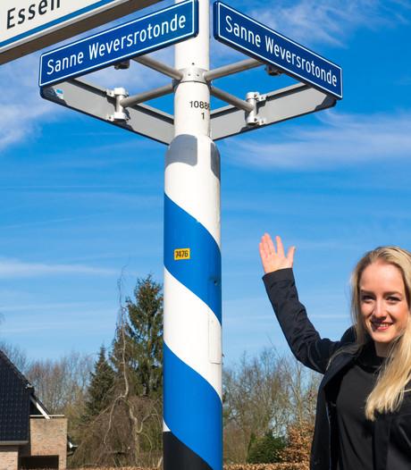 Sanne Wevers onthult eigen rotonde in Oldenzaal