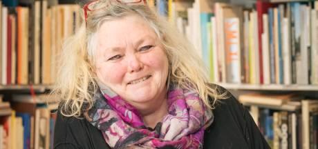Anne-Marike Bouw runt al 40 jaar Antiquariaat De Beschte in Wageningen: 'Je kunt het zo gek niet verzinnen, of ik heb er wel een boek over'