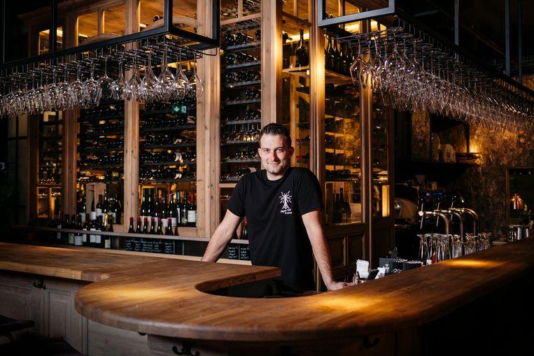 Rutger de Witte in wijnbar en restaurant Clos. Beeld Jurre Rompa