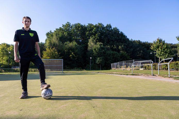 Zaalvoetballer Denzel van Houtum uit Goirle.