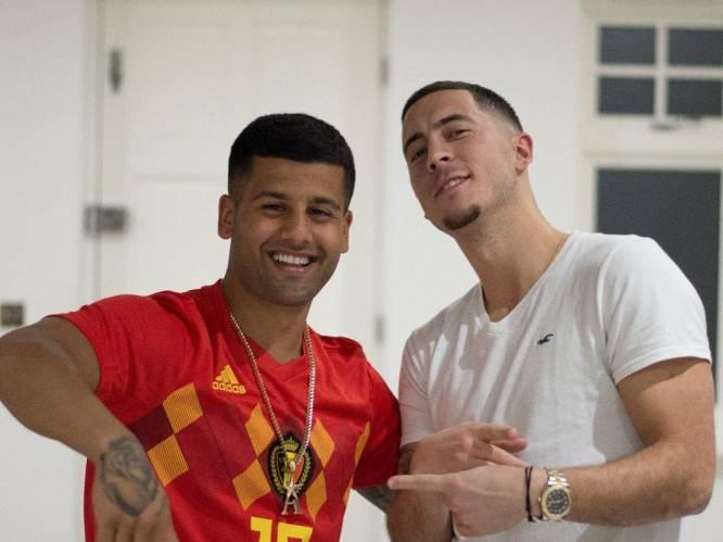 """Op bezoek bij de man die Eden Hazard en andere sterspelers kapt: """"Nooit één les gevolgd om kapper te worden"""""""