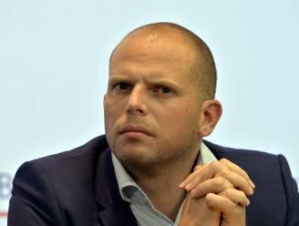 Francken wil snel plaatsen vrijmaken in opvangcentra: 560 euro maaltijdcheques voor wie meteen vertrekt