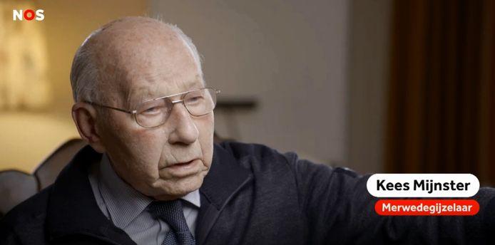 Videostill uit de documentaire 'De Merwederazzia, van gijzelaars naar dwangarbeiders' (2019) van de NOS, waarin Kees Mijnster werd geïnterviewd.