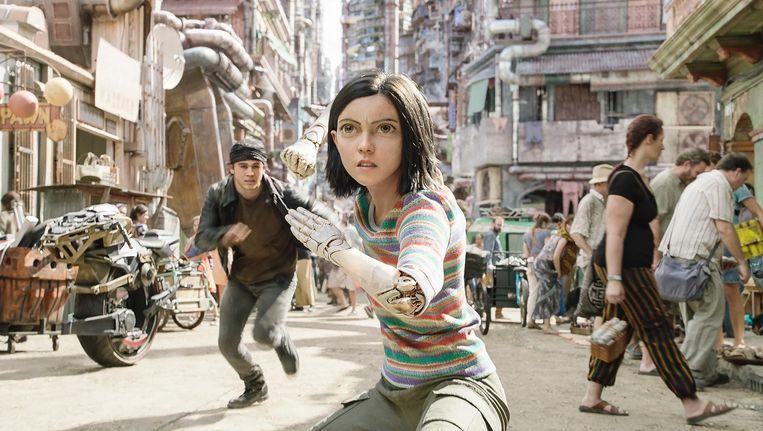 Heldin Alita heeft, in navolging van de Japanse mangatekenstijl, buitenproportionele ogen Beeld Twentieth Century Fox