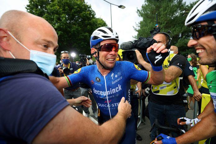 Emoties bij Mark Cavendish na zijn ritzege in de Ronde van Frankrijk.
