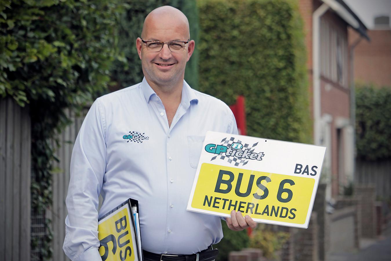 Bas van der Donk regelt en begeleidt Formule 1 reizen.