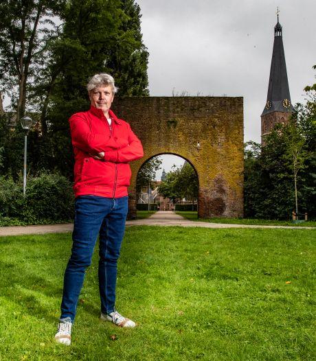Bij elke Zutphense poort een gedicht: 'Zo'n kalender hangt misschien wel tien jaar op de wc'