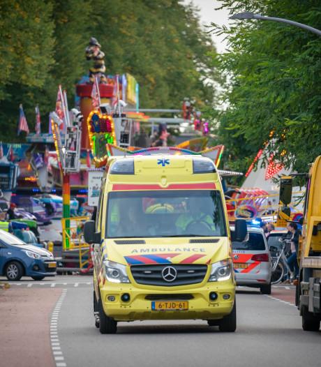 Karretje kermisattractie Wijchen losgerukt: vader en zoon gewond