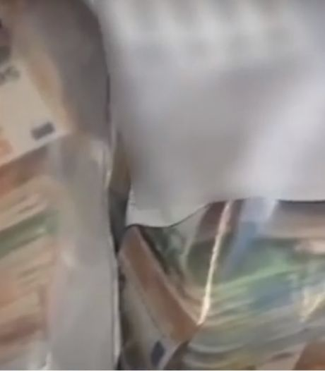 Politie vindt grote hoeveelheid drugs en cash geld in Overvechtse flat