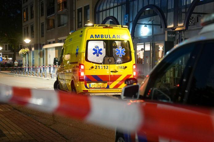 Steekpartij na ruzie voor Albert Heijn in Oss.