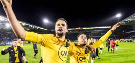 Van donkere wolken boven het Rat Verlegh Stadion tot extase bij de fans: de zege van NAC op Vitesse in beeld